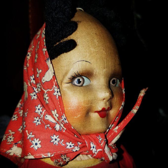 Side-Eyed Sally